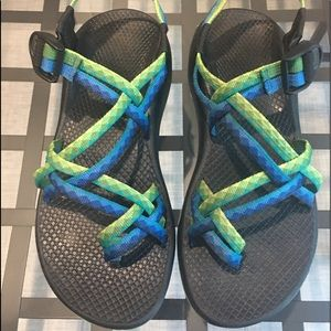 Chaco's blue and green